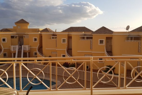 Apartment for sale in El Duque in a complex Benimar