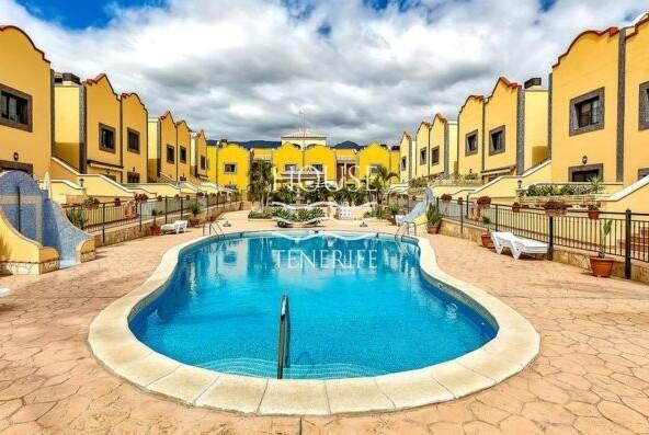 Apartment in Aparthotel El Duque in Adeje