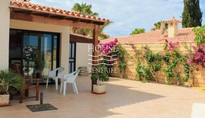 villa in La Caleta for sale
