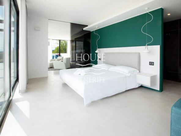 VILLA 6 BED UN433 CALA JONDAL EN CO-27