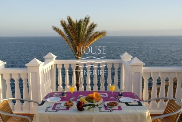 Penthouse located in Playa Paraiso