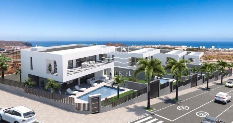 villa in Los Cristianos for sale